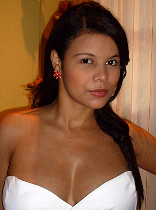 Buxom Colombian woman with an attractive demeanor