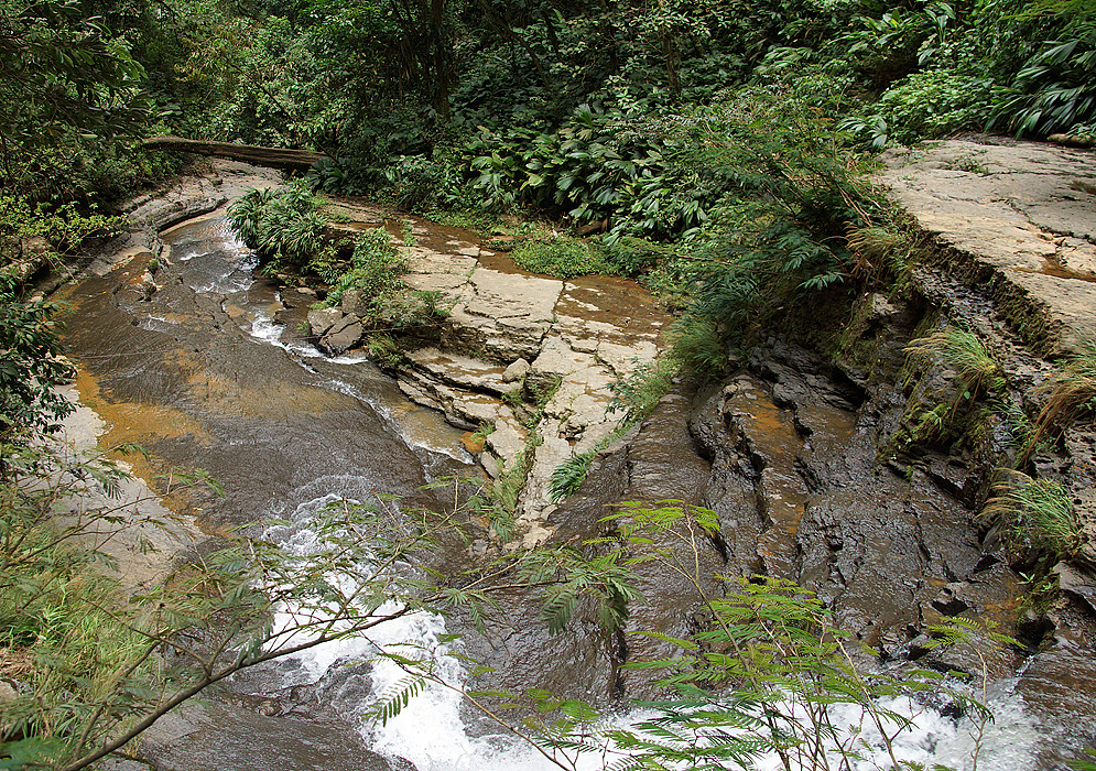 Close-up to the end of the Juan Curi waterfall from above