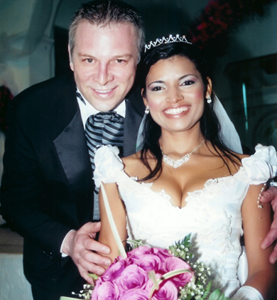 Wedding picture of a Colombian woman and American man